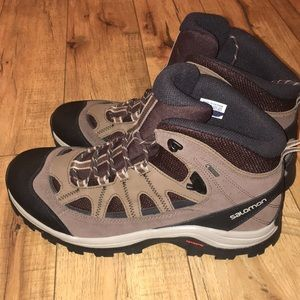 Salomon hiking boots size 10.5